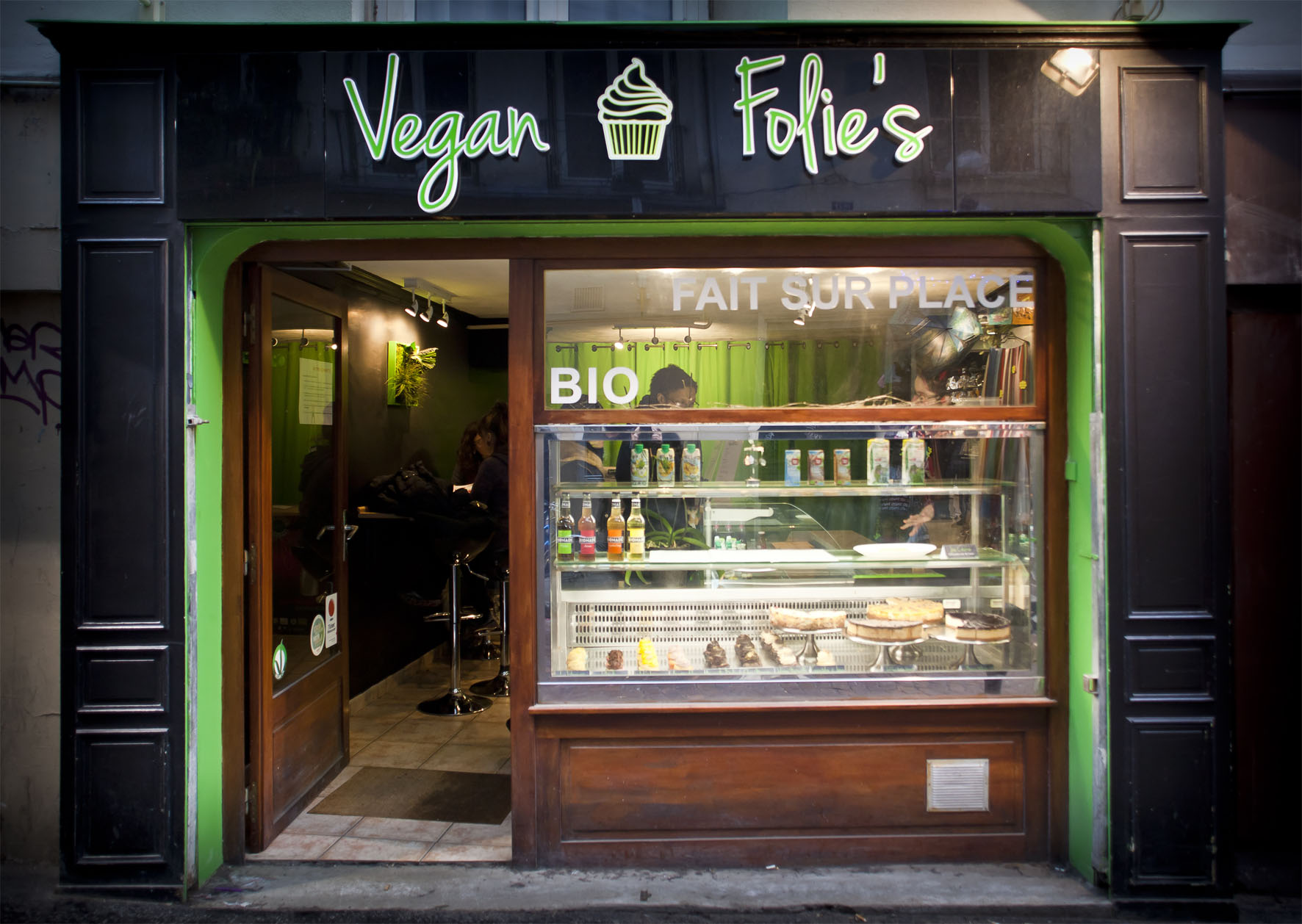 faade VeganFolies